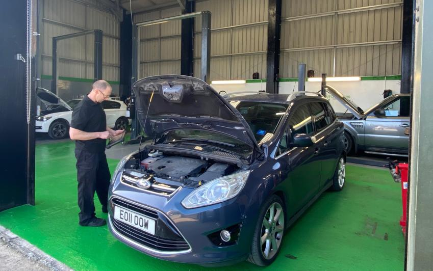 clutch centre car service